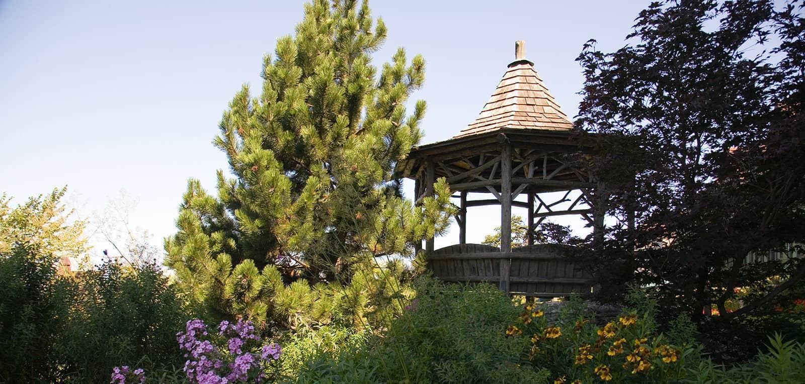 Mountain House - Gardens - Mohonk